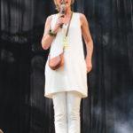 Festival Chansons & Mots d'Amou - Claudine, directrice du festival - © Marylène Eytier - Longueur d'Ondes