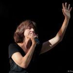 Festival Chansons & Mots d'Amou - Hommage à Léo Ferré avec Céline Caussimon - © Marylène Eytier - Longueur d'Ondes