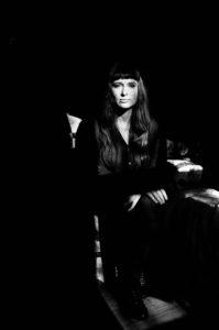 Xarah Dion ©Yannick Fornacciari - Le rock a des elles : Longueur d'Ondes N° 79