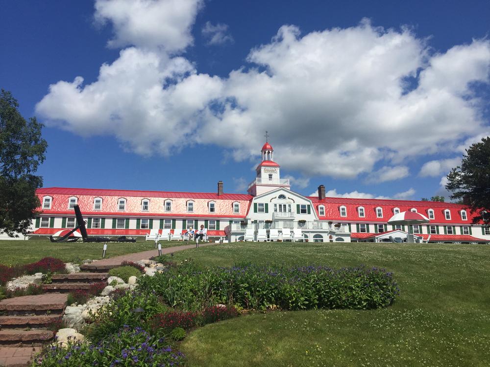 Le grand hotel ©Serge Beyer - Longueur d'Ondes