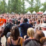 Pause Guitare 2017 - Bain de foule pour Féfé © Marylène EYTIER - Longueur d'Ondes
